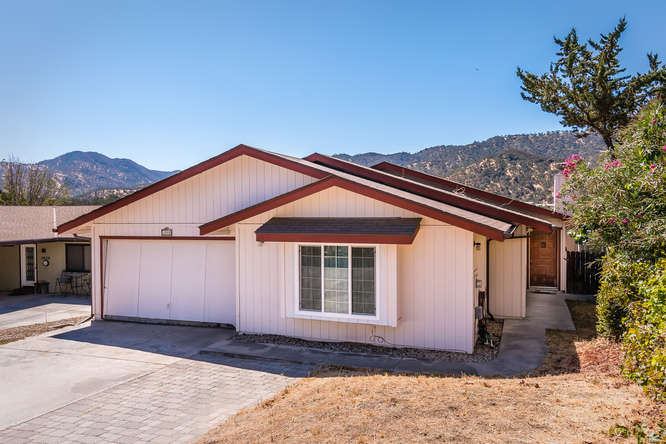 2040 Green Brook Ln Paso-small-003-12-Front of Home-666x445-72dpi