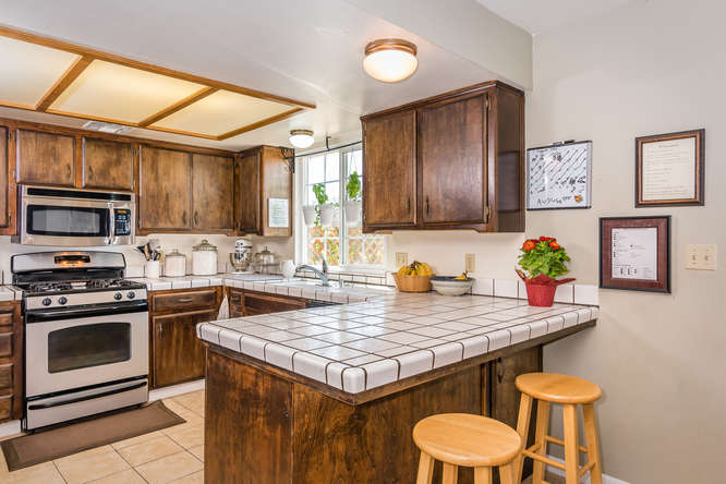2040 Green Brook Ln Paso-small-010-13-Breakfast NookKitchen-666x445-72dpi